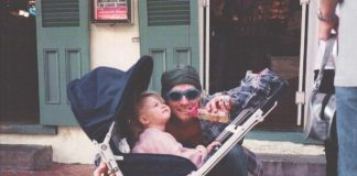 Kurt Cobain e Frances Bean em New Orleans