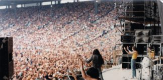 Ramones fizeram gestos nada amigáveis para plateia em Toronto