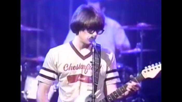 Weezer no programa 120 Minutes da MTV