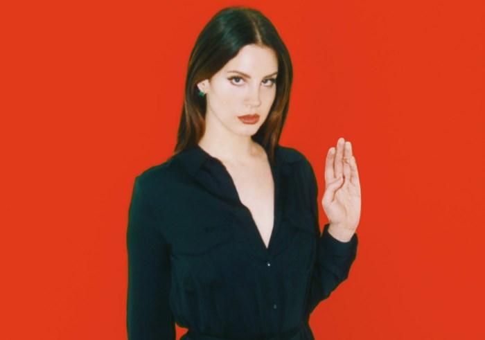 Lana Del Rey promove ritual de feitiçaria contra Donald Trump
