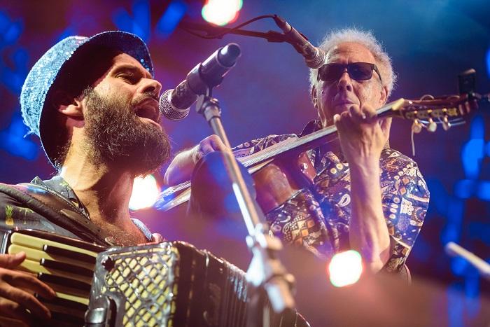 Marcelo Jeneci e Jards Macalé no Rec-Beat. Foto por Ariel Martini