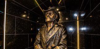 Lemmy - estátua no Rainbow Bar