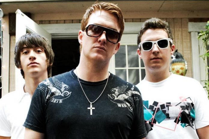 Arctic Monkeys e Queens Of The Stone Age