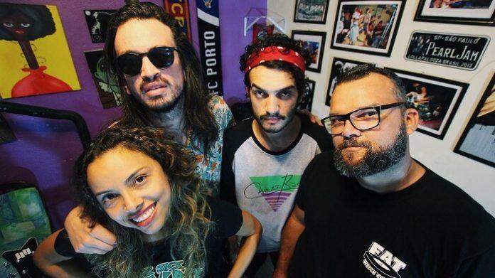 Camarones Orquestra Guitarrística comemora 10 anos de carreira com novo disco