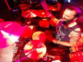 Makako, baterista do Scalene