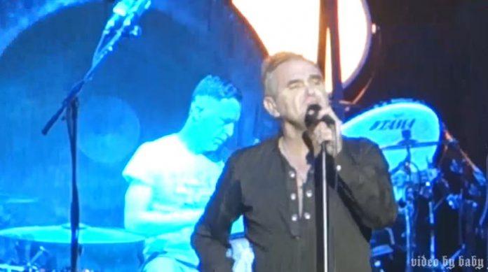 Morrissey abandona show
