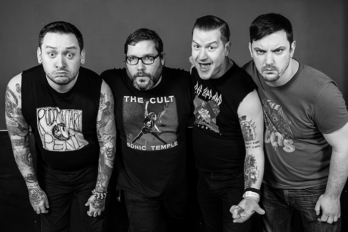 Teenage Bottlerocket rouba covers em álbum a ser lançado via Fat Wreck