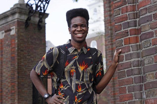 Estudante torna-se o primeiro a entregar álbum de rap como tese