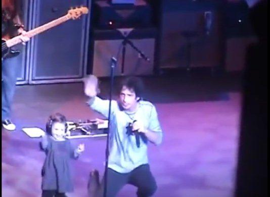 Chris Cornell com os filhos