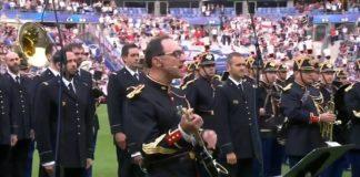 Banda toca Oasis antes de partida entre França e Inglaterra