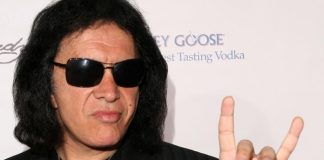 Gene Simmons e os devil horns