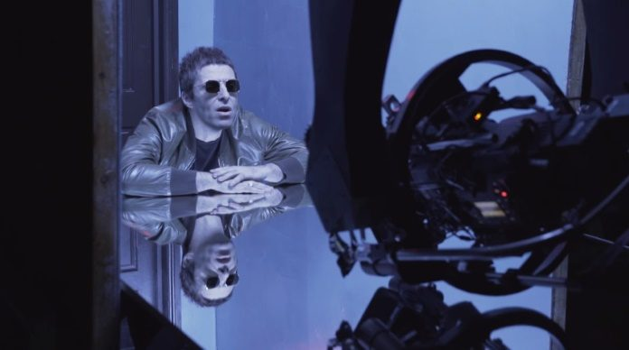 Liam Gallagher em making of de Wall Of Glass
