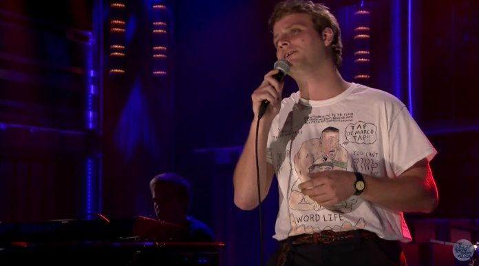 Mac DeMarco no programa de Jimmy Fallon