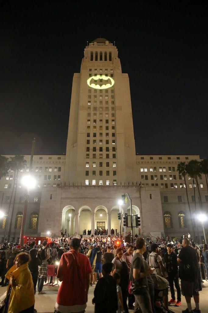 Adam West: Bat-sinal em Los Angeles