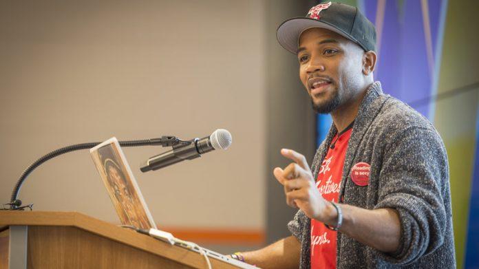 A.D. Carson - após compor álbum de rap como tese de doutorado, homem vira professor de hip-hop