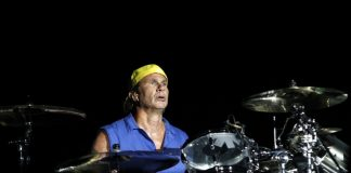 Chad Smith do Red Hot Chili Peppers em 2012