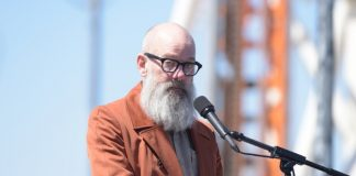 Michael Stipe, do R.E.M., em 2016