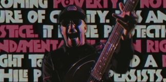 "Prophets Of Rage no clipe de ""Living On The 110"""