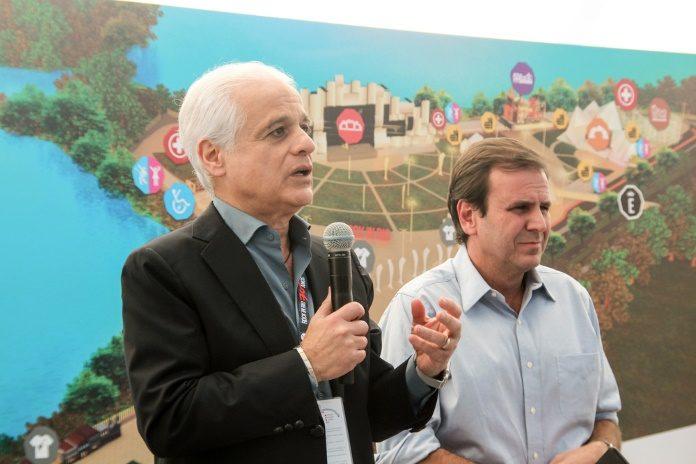 Roberto Medina, fundador do Rock in Rio, e Eduardo Paes em 2015