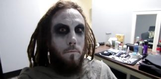 Brian Welch no show do Babymetal