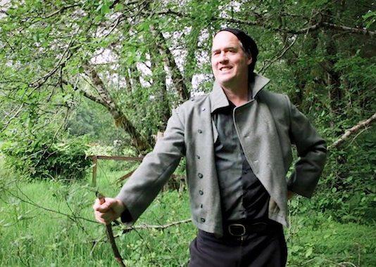 Krist Novoselic no novo clipe do Giants in the Trees
