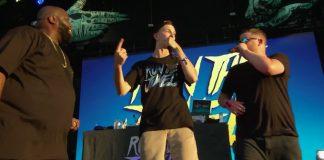 Run The Jewels toca com fã no Lollapalooza