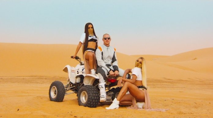 Anitta e Major Lazer no clipe de