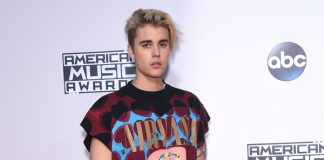 Justin Bieber com a camiseta do Nirvana