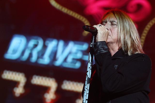 Steven Tyler sofreu convulsão após show do Aerosmith no Brasil