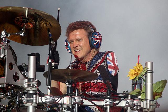 Steven Tyler, do Aerosmith, sofreu convulsão, segundo jornal