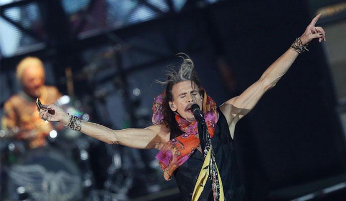 Steven Tyler teve uma convulsão após show no Brasil, diz jornal