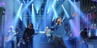 Mick Jagger com o Foo Fighters