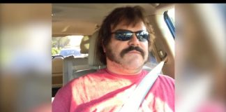 Jack Black no carro