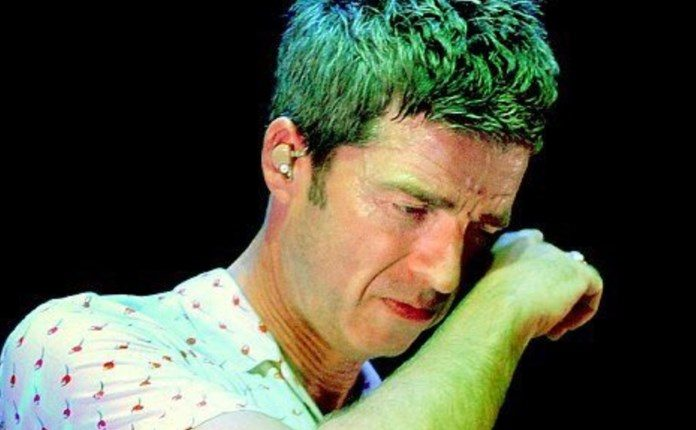 Noel Gallagher chora no We Are Manchester