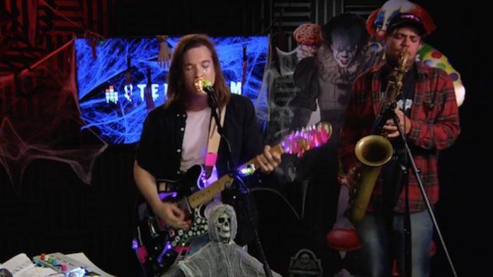 Chris Farren e Jeff Rosenstock fazem cover de Rob Zombie