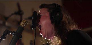 Laura Jane Grace grava tema de animação
