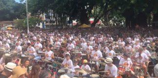 Bateristas da Orquestra de Baterias em Florianópolis