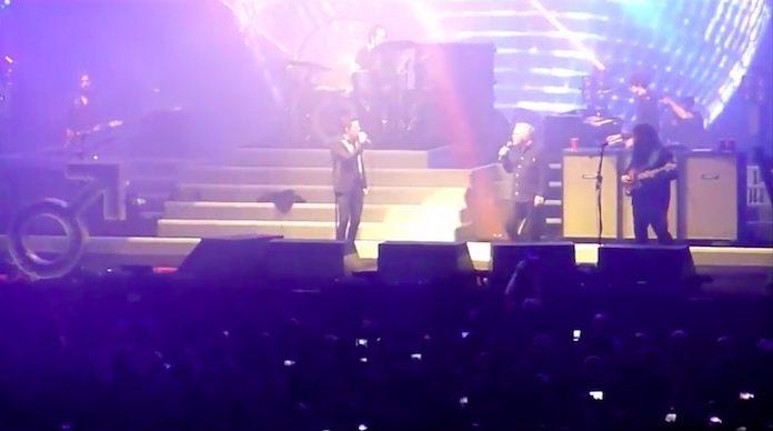 The Killers com Bernard Sumner (New Order) em Londres