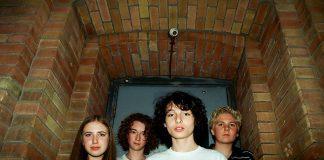 Finn Wolfhard e a banda Calpurnia