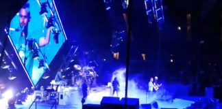 Foo Fighters toca Tom Sawyer, do Rush, com fã