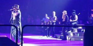 Guns N Roses com Billy Gibbons, do ZZ Top