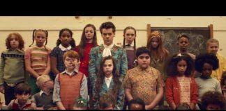 Harry Styles no clipe de Kiwi