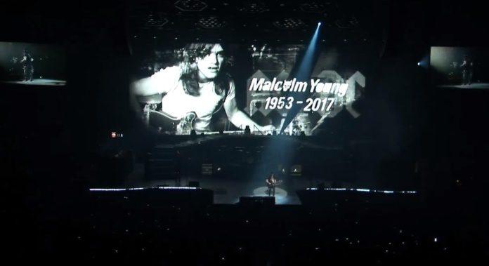 Homenagem do Guns N Roses a Malcolm Young