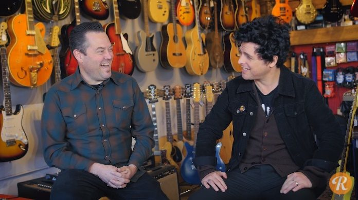 Billie Joe vende guitarras