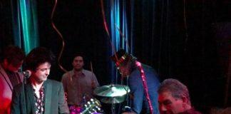Billie Joe Armstrong em festa de ano novo