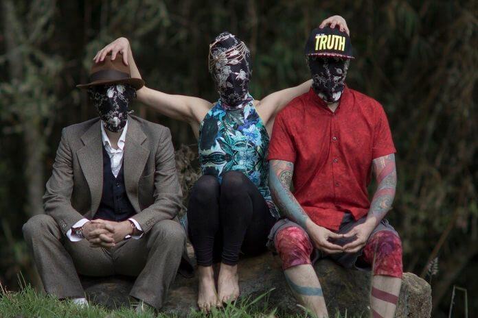 Trio colombiano Bulldozer faz show com participação de Ximbinha