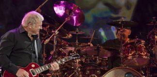 Alex Lifeson e Neil Peart com o Rush em 2011