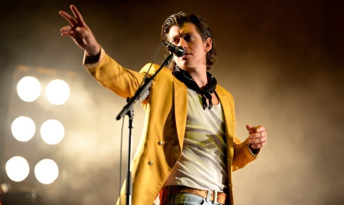 Alex Turner, do Arctic Monkeys, em Barcelona 2016
