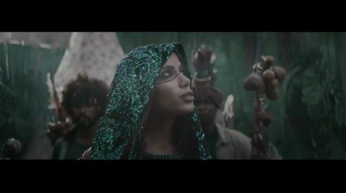 Anitta no clipe de Machika