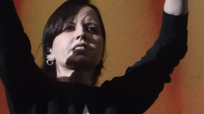Dolores ORiordan, vocalista do The Cranberries